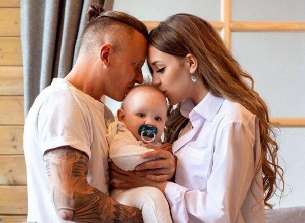 Алена Савкина рассказала как она видит семейное счастье