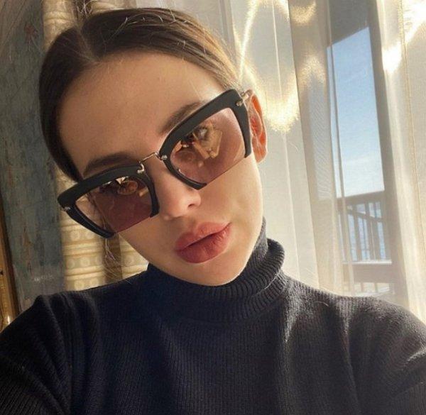 Александра Артемова отрицает наличии няни