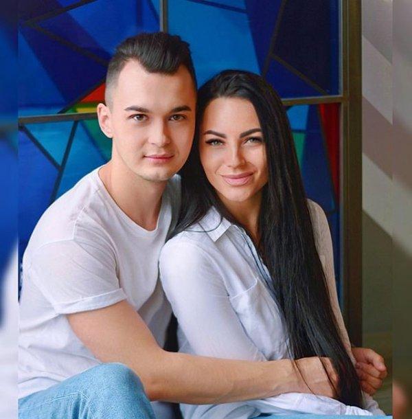 Анна Брянская жалуется на Антона Беккужева