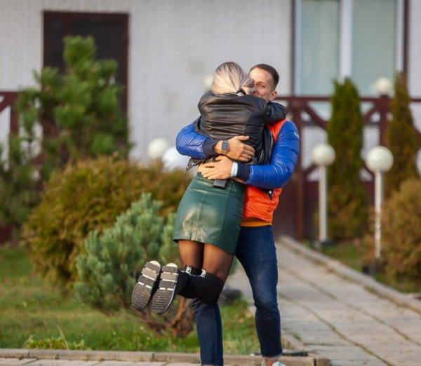 Федор Стрелков пытается поддержать Екатерину Скалон