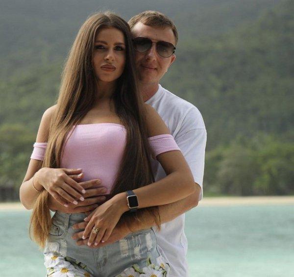 Илья Яббаров не знает как быть с Анастасией Голд