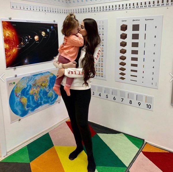 Ольга Рапунцель не соблюдает режим дня для ребенка