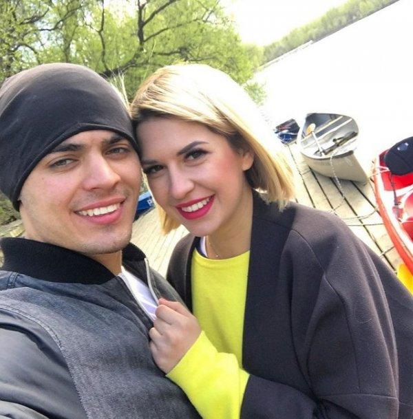 Алексей Купин выложил фото с первого свидания