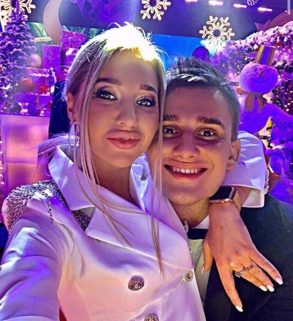 Никита Барышев желает счастья Анастасии Стецевят