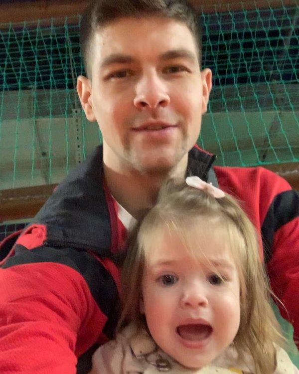 Дмитрий Дмитренко играет роль нормального отца