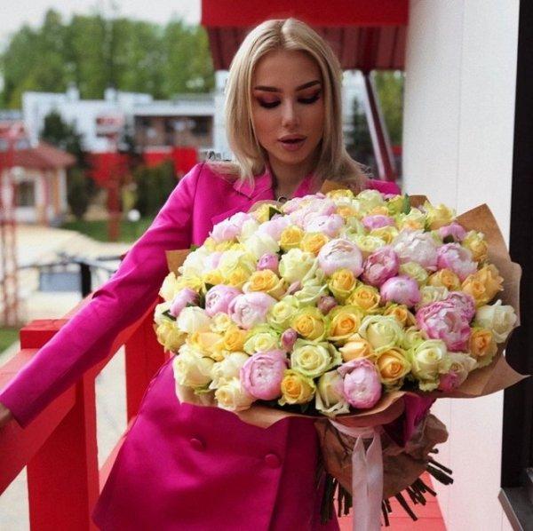 Мать Анастасии Паршиной приехала на проект