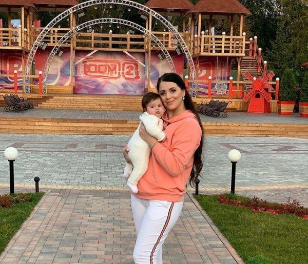 Семья Дмитренко покупает жилье за 12 миллионов