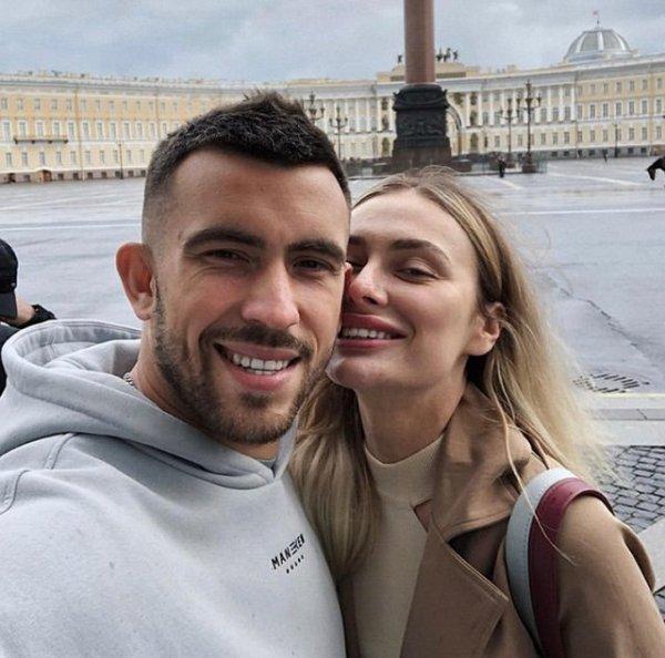 Игорь Григорьев спокойно отпускает Юлию Жукову в ночной клуб