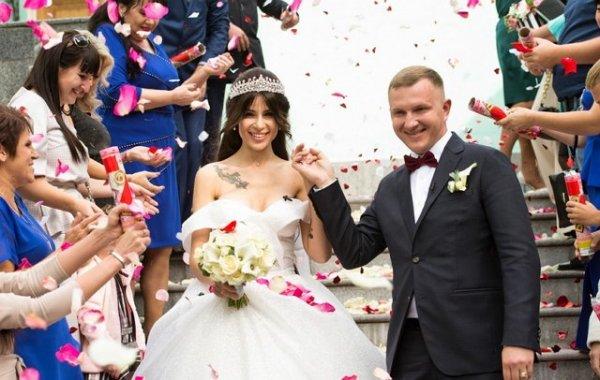 Анастасия Голд не собиралась сбегать после свадьбы